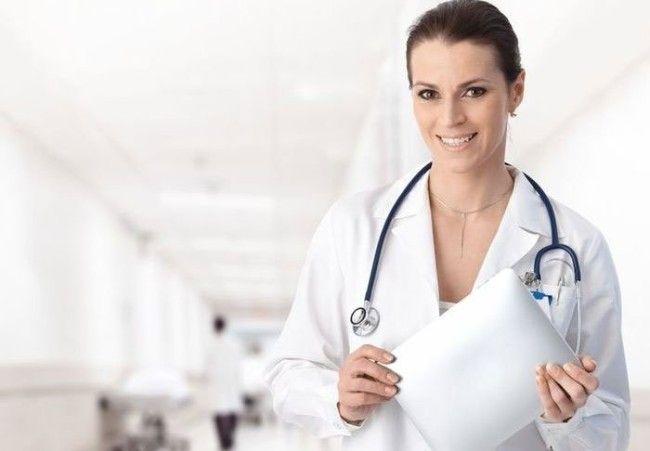 жінка лікар