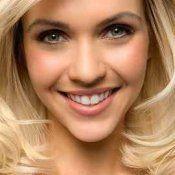 Правильний догляд за світлим фарбованим волоссям